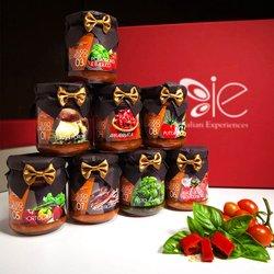8 Classic Italian Sauce Selection Gift Set (Inc. Bolognese, Arrabbiata & Pesto)