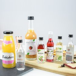 French Martini With A Twist Cocktail Gift Kit (Makes French & Elderflower Martinis)