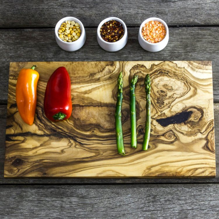 Natural Olive Wood Chopping/Presentation Board (35cm x 20cm x 2cm)