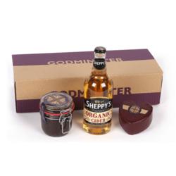 Heart-Shaped Cheddar Cheese, Organic Apple Cider & Chutney Gift Set