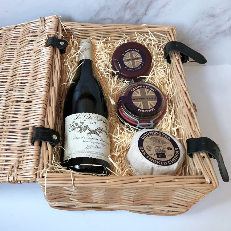 'The Classic Red' Godminster Gift Hamper Inc. 2 x Cheddar Cheeses & Red Wine