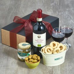 Italian Organic Chianti Red Wine & Snacks Gift Box Inc. Olives, Taralli & Breadsticks
