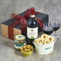 Italian Organic Chianti Red Wine & Snacks Gift Box Inc. Olives, Taralli & Breadsticks