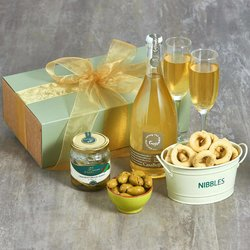 Italian Organic Prosecco & Snacks Gift Box Inc. Olives, Taralli & Breadsticks