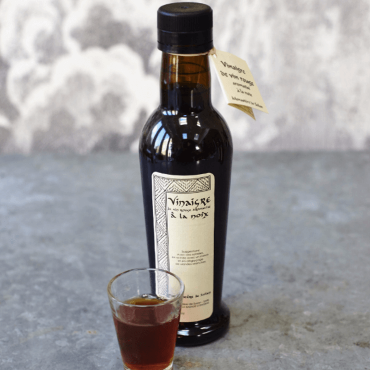 French Walnut Red Wine Vinegar 250ml (Organic, For Fruits, Gravies & Salads)