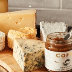 Luxury 7 Cheese Gift Board Inc. Cropwell Bishop Stilton, Gruyere, Valencay & Poacher (12-15 People)