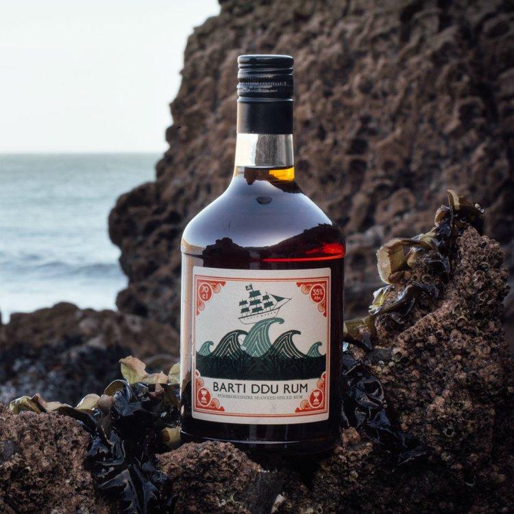 Seaweed Spiced 'Barti Ddu' Caribbean Rum 700ml