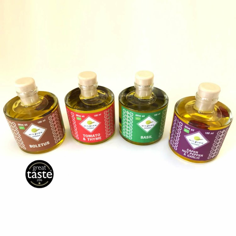 Set of 4 Infused Organic Extra Virgin Oils Inc. Spicy, Basil, Tomato & Thyme & Mushroom