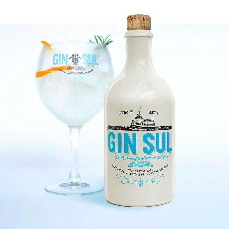 Small Batch Gin Gift Set with Gin Sul Hamburg Dry Gin & Glass
