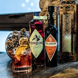 'Winter Negroni' Cocktail Gift Set with Belsazar Red Vermouth, Mondino Amaro, Glasses & Recipe Card