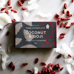 Organic Raw Coconut & Goji Berry Handmade Chocolate Bar 45g
