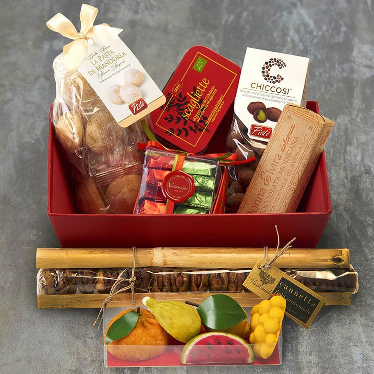 Italian 'Sweets for your Sweetheart' Gift Hamper Inc. Sweets, Chocolate & Marmalade