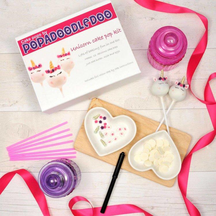 Unicorn Cake Pop Gift Set - Strawberry Milkshake Flavour