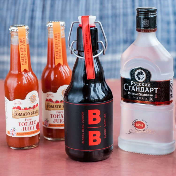 Classic Bloody Mary Cocktail Gift Kit with Spice Mix, Vodka & Tomato Juice