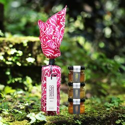 Magenta 'Bali Aurora' Tropical Marmalade Gift Set with Handprinted Batik Napkin
