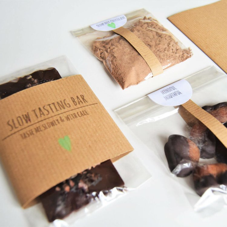 Slow Dark Chocolate Mini Tasting Kit Inc. Hot Chocolate, Dark Chocolate Bar & Dipped Apricots