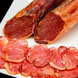 Lomo Ibérico - Spanish Dry Cured Whole Pork Loin (1.3kg) - Cured for 120 Days with Oregano & Smoked Paprika