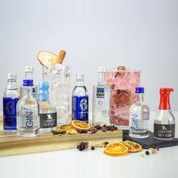 Traditional English Gin Tasting Gift Set Inc. 6 O'clock, Tarquin & Lakes Gins