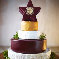 Godminster Organic Star Cheese Celebration Cake 2.6kg (For Weddings & Parties)