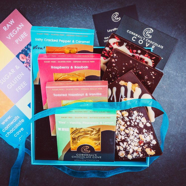 'Magnificent Eight' Artisan Raw Chocolate Bar Gift Box (Vegan)