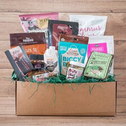 'The Cheats & Treats' Gift Hamper Inc. Chocolate, Snacks & Sweets