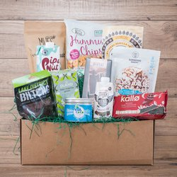 'The Clean & Lean' Gift Hamper Inc. Vanilla Protein, Coconut Oil, Dark Chocolate & Matcha Green Tea