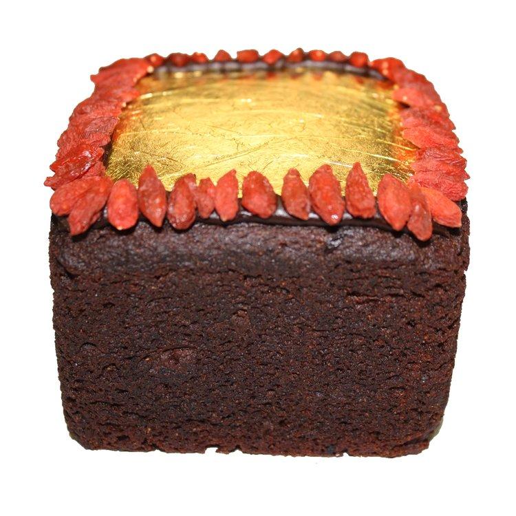 23 Carat Gold Christmas Organic Miracle Cake in Gift Box 380g (Gluten-Free)