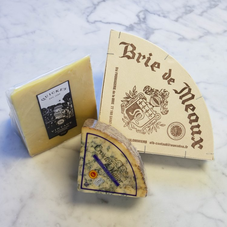 Classic Cheese Board Selection Inc. Stilton, Vintage Cheddar & Brie Cheeses