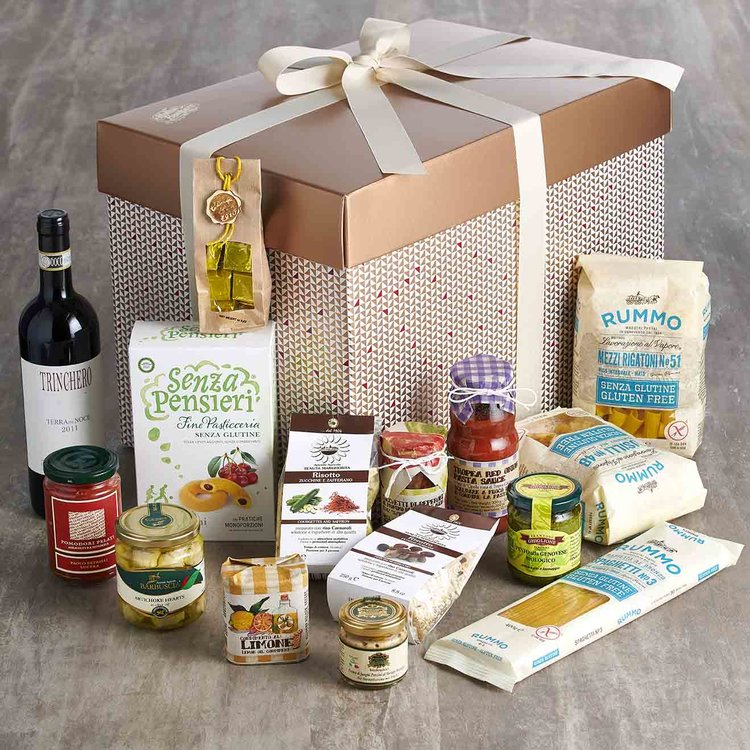 Luxury Gluten-Free Italian Gift Hamper Inc. Wine, Pasta, Olive Oil, Pesto & Figs
