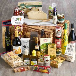 Ultimate Luxury Italian Collection Gift Hamper Inc. Pasta, Sauces, Wine, Oils & Cheese