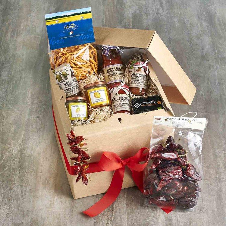 'Taste of Calabria' Italian Gift Hamper Inc. Pasta, Sauces, Jams & Liquorice