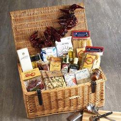 'The Italian Chef' Gourmet Gift Hamper Inc. Truffle Oil, Caputo Flour, Olive Oil & San Marzano Tomatoes