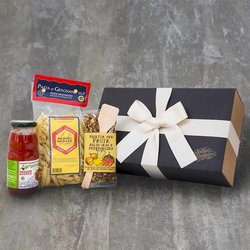 Spicy Pasta Recipe Gift Kit with Pasta, Tomato Passata & Hot Spice Mix