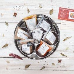 Indian Masala Dabba Gift Spice Tin with 9 Spices Inc. Cinnamon Sticks, Cloves & Turmeric Powder