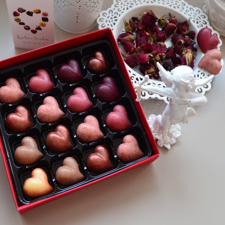 'Long Time Love' Superfood Vegan Heart Shaped Truffles in Gift Box 150g
