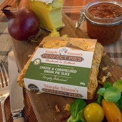 4 x Cheese & Caramelised Onion Puff Pastry Pie Slice Vegetarian (4 x 200g)