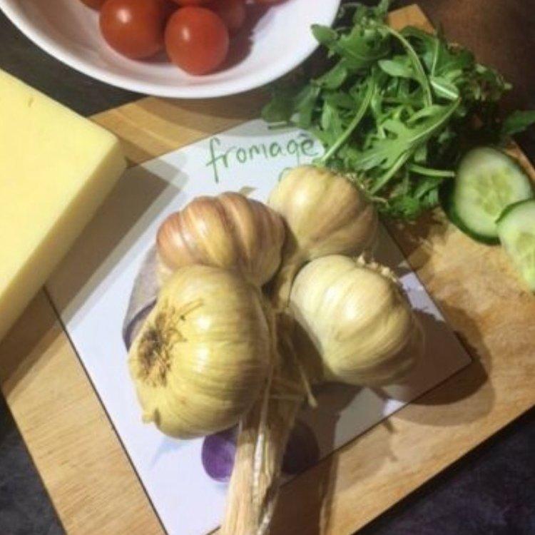 2 Cold Smoked Garlic Grappes Gift Box