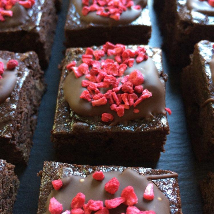 12 Vegan Raspberry & Dark Chocolate Brownies