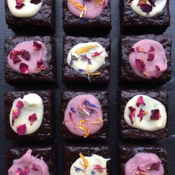 12 Vegan Floral Chocolate Brownies with Edible Rose, Calendula & Cornflower Petals
