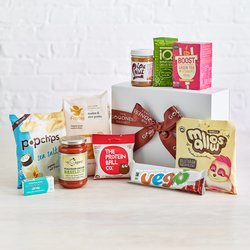 'Back to School' Student Snack Gift Box Inc. Pasta, Peanut Butter & Chocolate (Vegan)