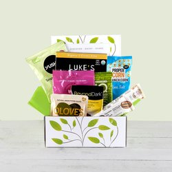 'Don't Go Nuts' Nut-Free Snack Gift Box Inc. Sweets, Flapjacks & Crisps