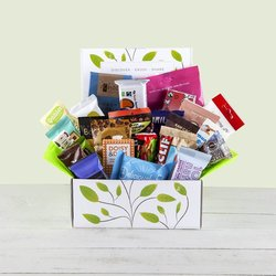 'The Vegan Snack Attack' Hamper Gift Box Inc. Chocolate, Nuts & Energy Bars