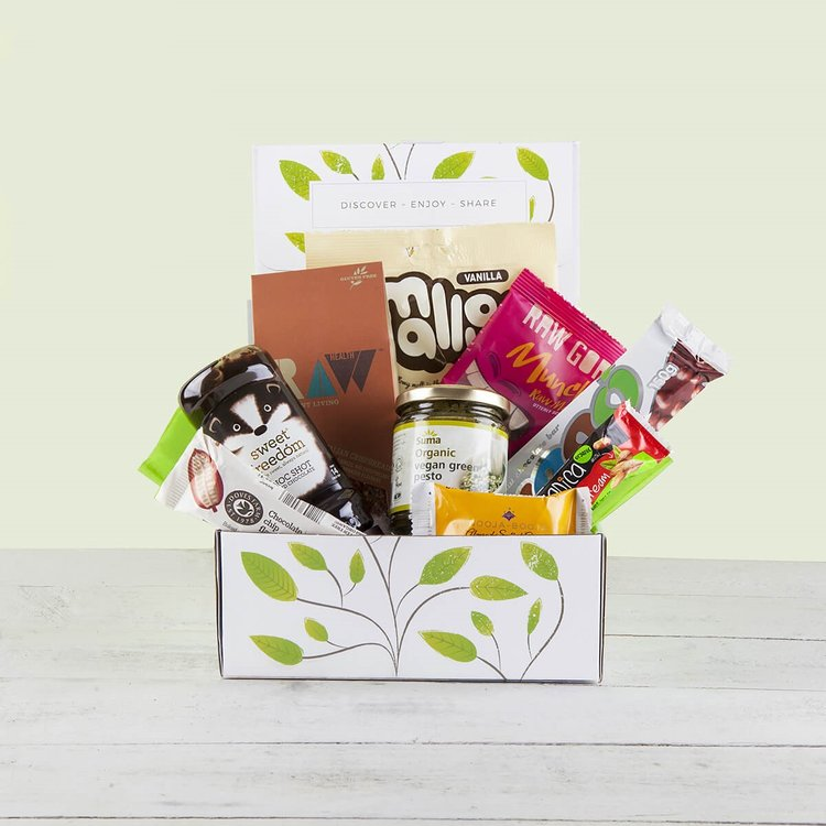 'Vegan Goodness' Hamper Gift Box Inc. Green Pesto, Marshmallows & Chocolate Syrup