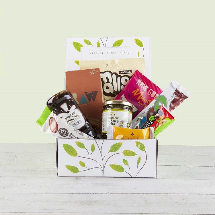 'Vegan Goodness' Hamper Gift Box Inc. Green Pesto, Marshmallows & Chocolate Syrup