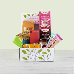 'Couples Gift' Hamper Box Inc. Tea, Crispbread & Chocolate Truffles