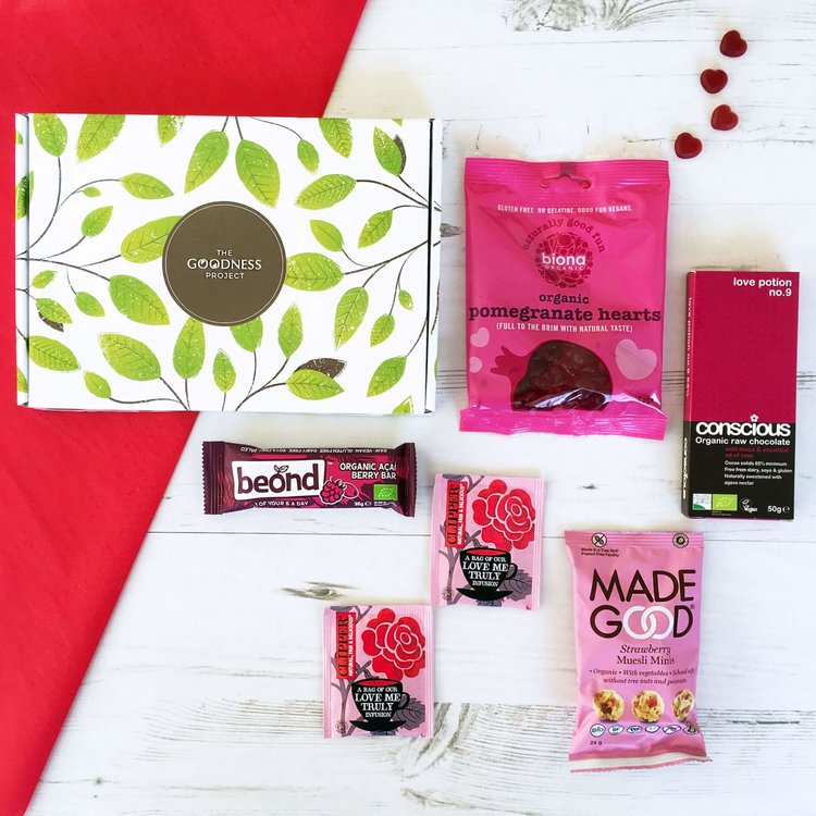'Love Vegan Snack' Letterbox Gift Box Inc. Tea, Chocolate & Sweets