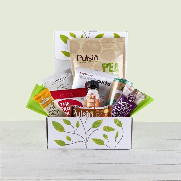 'Ms. Sporty Vegan Protein Hamper' Gift Box Inc. Pea Protein Powder, Protein Bars & Chia Pudding Mix