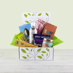 Rawlicious Raw Vegan Hamper Gift Box Inc. Crackers, Coconut Water & Cashew Nut Spread