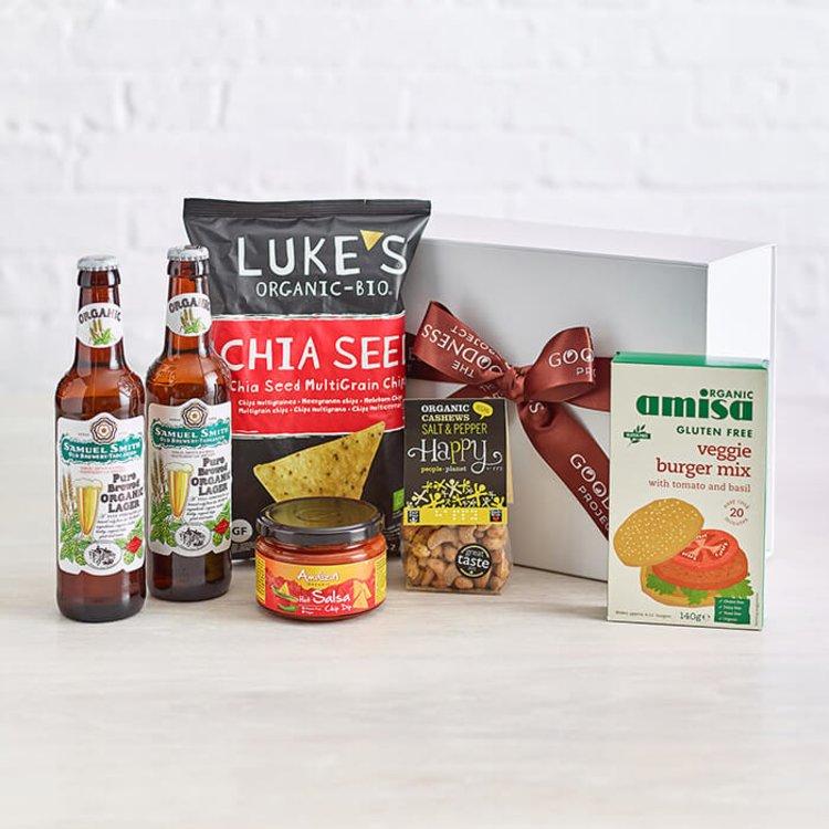 Summer Barbecue Plant-Based Beer & Burger Hamper Gift Box Inc. Hot Salsa Dip & Multigrain Crisps