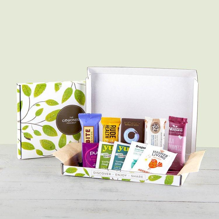 Healthy Snack & Tea Letterbox Gift Hamper Inc. 5 Tea Bags, Flapjack & Snack Bars